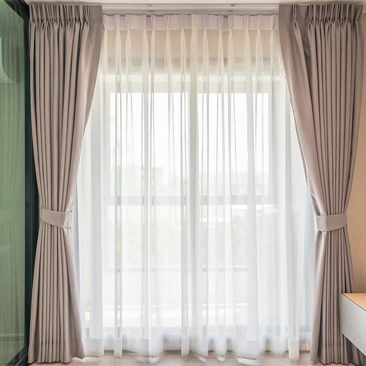 Personnalisez votre intérieur en choisissant des rideaux et voilages sur mesure à Nice   La Maison du Tissu